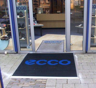 Personaliseer je inkommat met jouw logo of huisstijl. Te koop bij Top Tegel 04 in Geluveld.