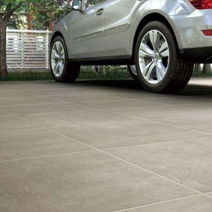 Keramische oprit tegels in betonlook. Deze keramische terrastegels 2cm kunnen ook als oprit tegels of tuintegels gebruikt worden.