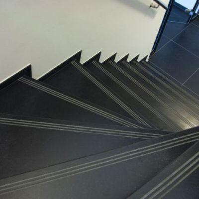 trappen in natuursteen