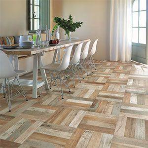 houtlook tegels die erg gevarieerd zijn in kleur.