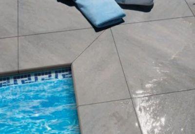 tegeloutlet west vlaanderen: lot terrastegels quarcity gris 60x60cm | Goedkope terrastegels in onze tegel outlet