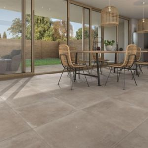 Beige vloertegels 65x65cm in een beige betonlook.