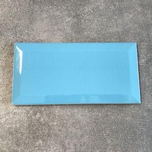 Metrotegels in azuur blauw, turquoise in formaat 10x20cm.