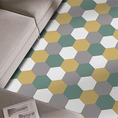 hexagon tegels in pantone kleur illuminating yellow en grey