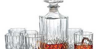 Best whiskey decanter set