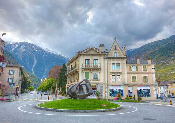 Top Ten Most Beautiful Roundabouts in the World