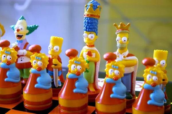 Simpson Chess Set