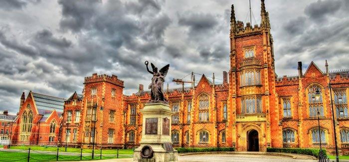 Universitas Queen di Belfast