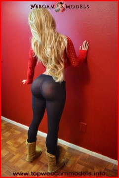 Top WebCam models Thick and beautiful blondes made of silicone dolls 7