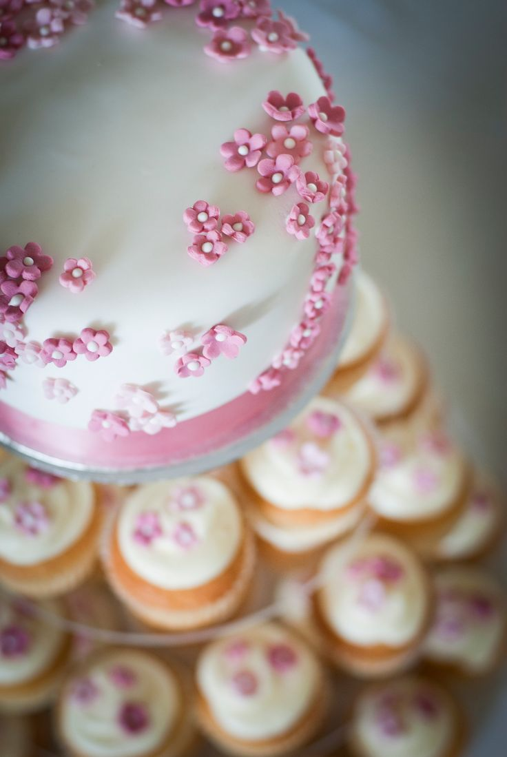 23 Mouthwatering Cupcake Wedding Cakes That Will Rock Your Wedding     cupcakes wedding cakes