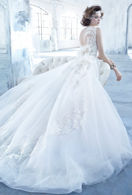 Dramatic Glamorous Bridal Ball Gowns