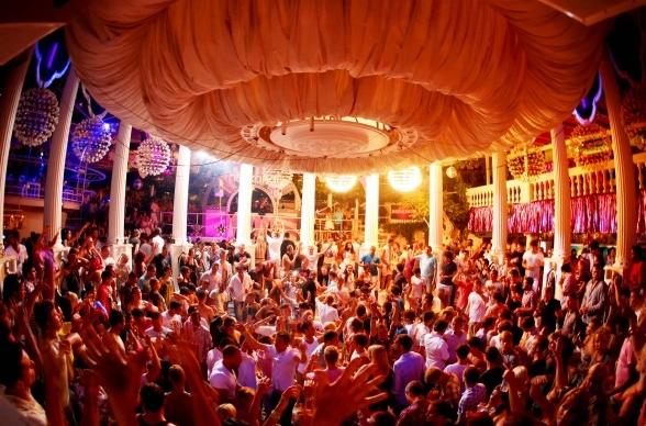 Ibiza sluitfeesten aanbieding