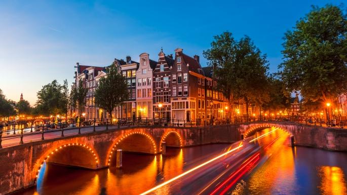 Amsterdam light show cruise