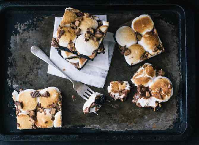 Peanut Butter Cup S'moreo Bars