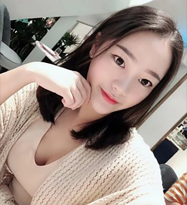 Jing Jing - Shanghai Escort 2