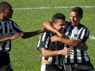 Rio Novo e Laranjal decidem a Copa Panorama. Veja fotos