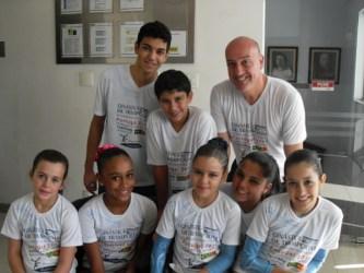 Equipe de ginástica do Vianna Jr. treina em Portugal