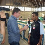 Atleta Hawdrey conversa com jornalistas