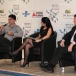 Sérgio Barroso ao lado de Ricardo Rocha e da mediadora Mariana Bahia