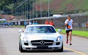Eberth e Andriléa são vencedores da Corrida da Mercedes-Benz. Veja resultado