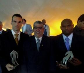 Tupi recebe homenagem em BH. Veja seleção do Mineiro. Gol de Cury é o segundo mais bonito