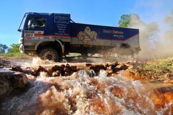 Equipe de Bisi já lidera entre caminhões pesados no Rally dos Sertões