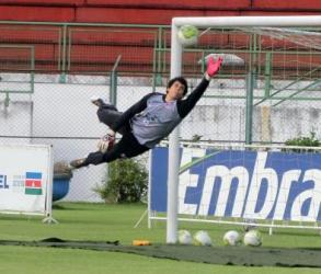 Rodrigo quer vitória de presente pelos 50 jogos no Tupi