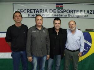 Secretário do CMD, Marcelo Cantagalle,  vice-presidente Fernando Ribeiro,  secretário de Esporte Francisco Canalli e o presidente, Antônio Pereira de Carvalho Filho