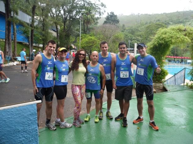 Atletas da equipe Saúde Performance também participaram da corrida. (Foto: Divulgação)