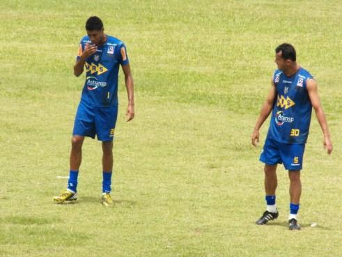 Tupi terá nova dupla de zaga contra o Nacional de Muriaé