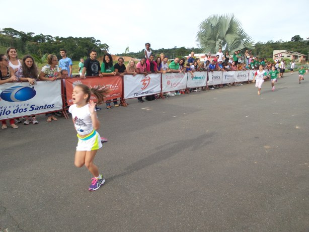 Mesmo nova, Isabelly já tem experiência de correr fora do país e também conquistou o primeiro lugar em sua categoria