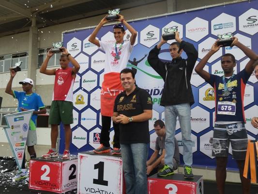 Eberth comemora vitória na abertura do Ranking 2014