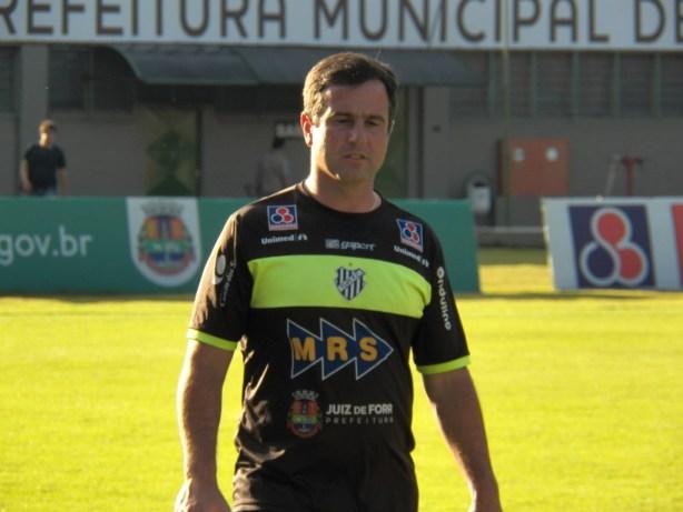 O braço direito de Condé, Henrique Furtado, também integra a comissão técnica do clube