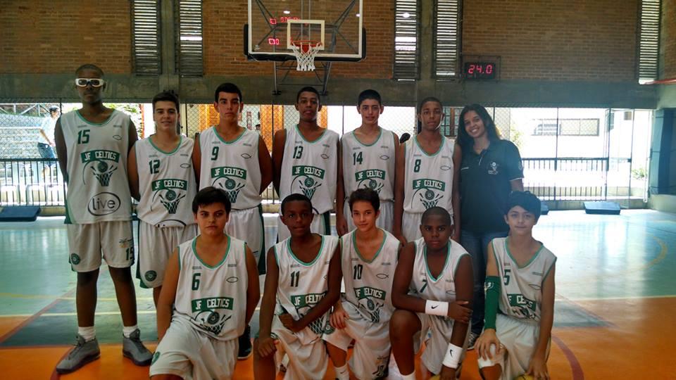 Jogadores do JF Celtics, equipe juiz-forana vencedora da etapa
