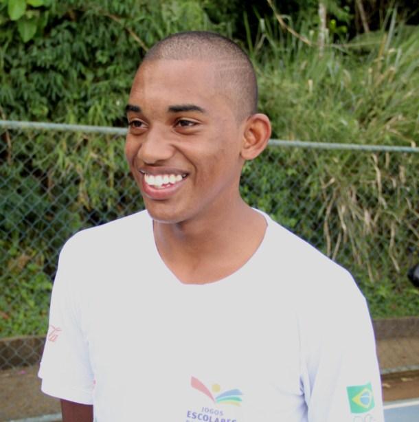 Atleta do CRIA UFJF, Robison Gomes está motivado para conhecer nomes mais experientes do atletismo brasileiro