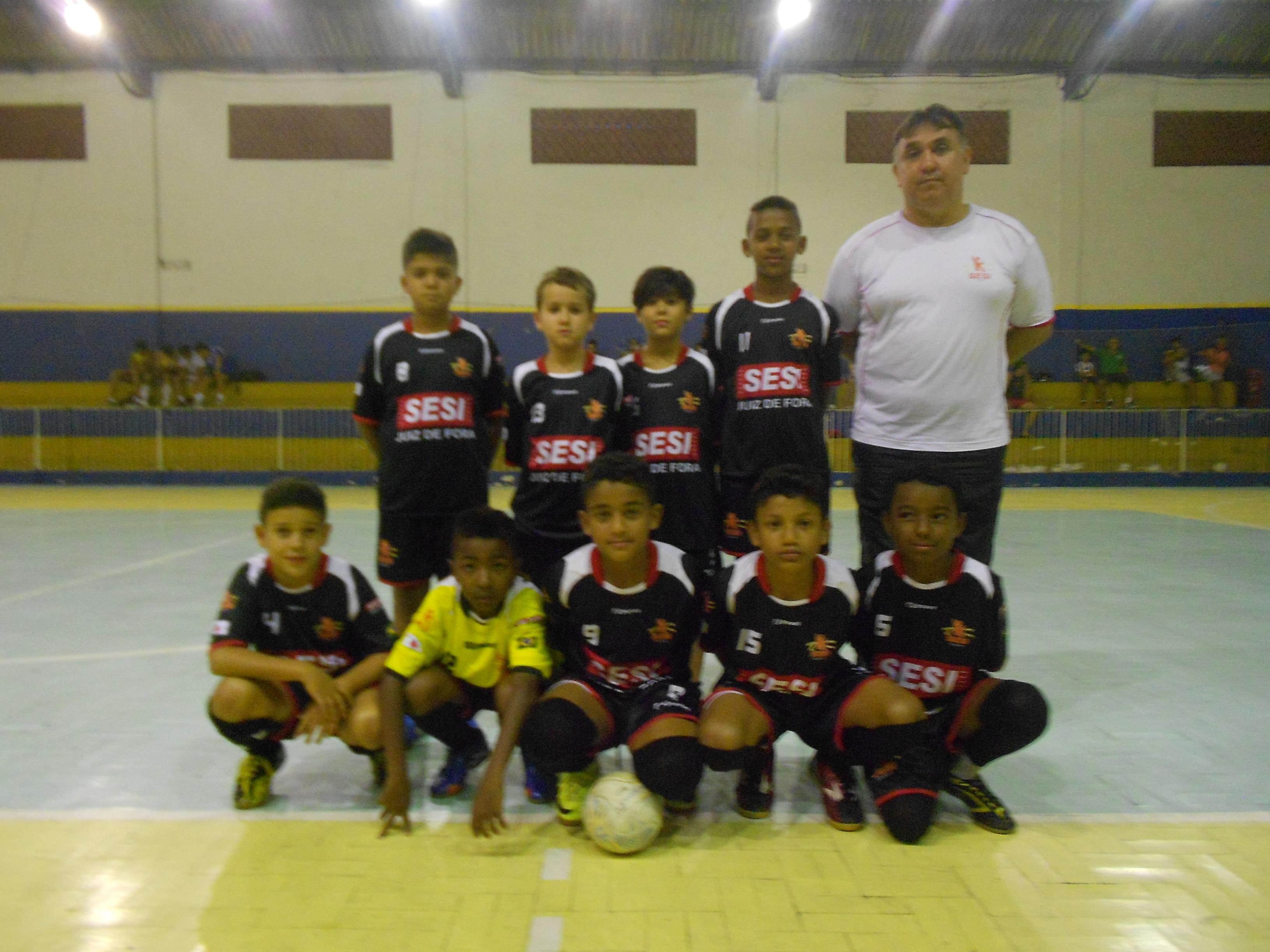 Equipes do Sesi JF vêm disputando a Copa Prefeitura Bahamas de Futsal d887237aba69a