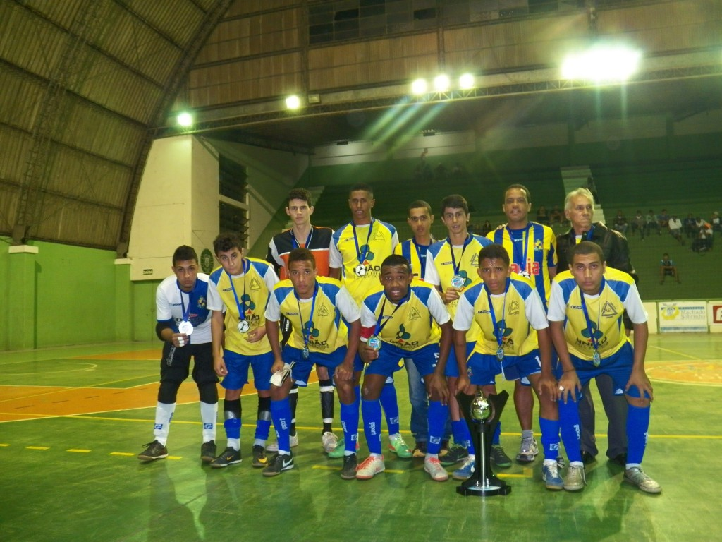 Equipe vice-campeã na categoria juvenil, Bom Jardim Jr