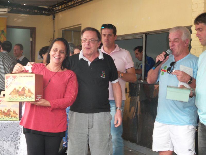 Sorteio: a Chico Geraes foi uma das empresas parceiras da 2ª Feijoada do Esporte. Promoção do Panathlon Club, em conjunto com o Jeep Club JF, foi novamente um grande sucesso