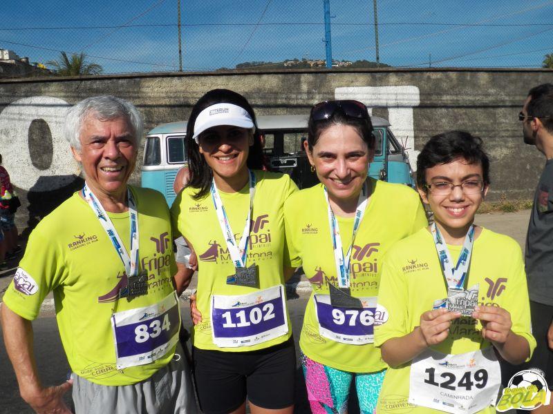 Da esquerda para a direita: José Geraldo, Tamires, Maria de Fátima e Marcos, no encontro após todos completarem suas provas