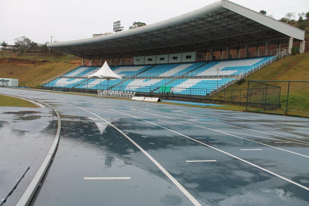 Complexo Esportivo da UFJF: com chuva, atletismo dos Jogos Sesi Juiz de Fora não pôde ser realizado neste sábado