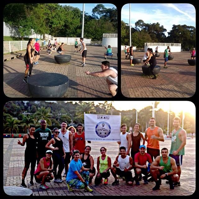 Integrantes do Team Perforce em um dia de exercícios na Praça Cívica da UFJF