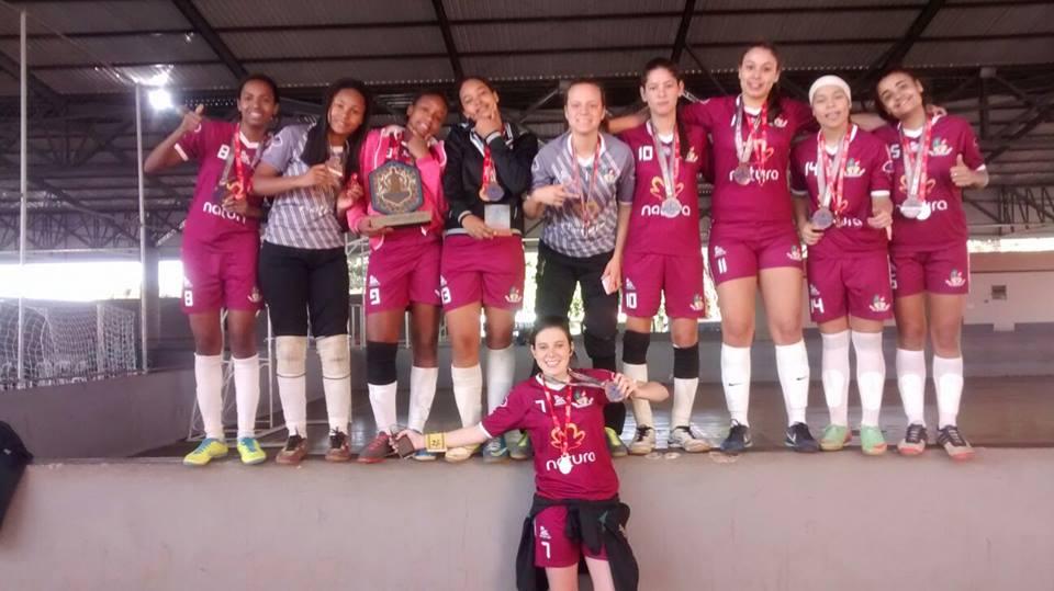 Meninas medalha de bronze no futsal em Uberaba