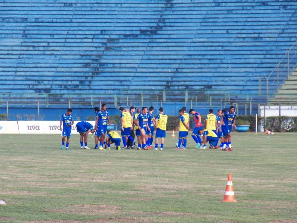 Jogadores treinaram no Mário Helênio na quinta e sexta-feira visando a partida contra o Mogi