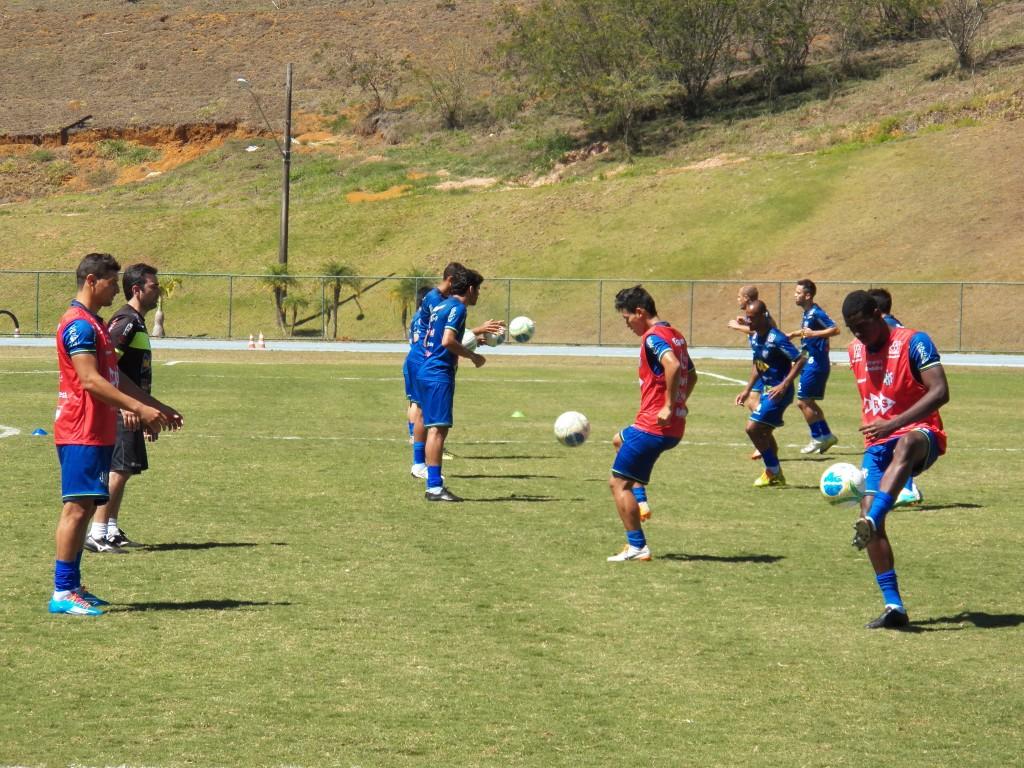 Jogadores treinaram no campo da Faefid na quinta, 11, e sexta-feira, 12, na preparação para o jogo contra o Tricolor Suburbano