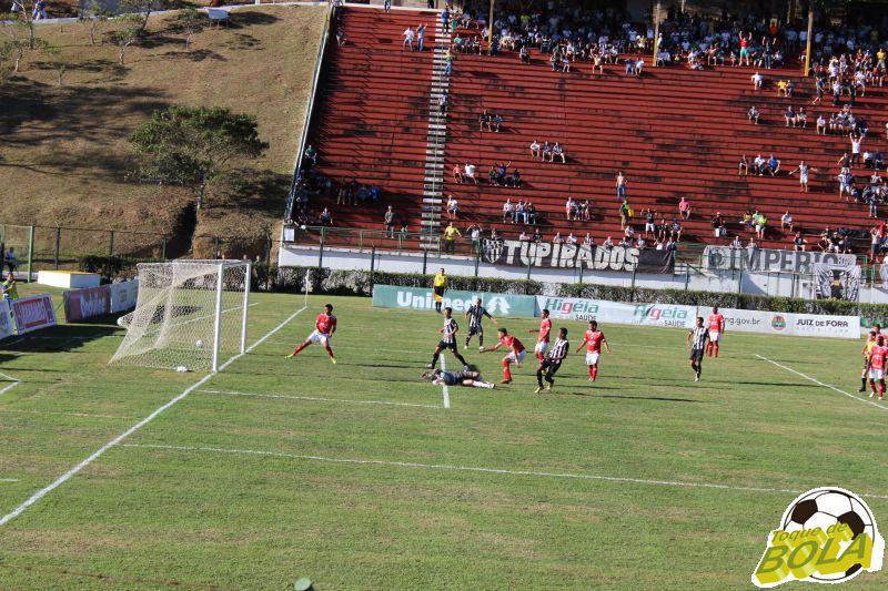 Gol marcado por Élder Santana abriu a goleada carijó
