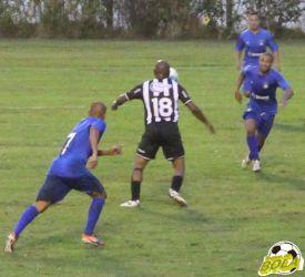 Do ídolo: confira sequência de fotos do gol de Adê contra o Azulão