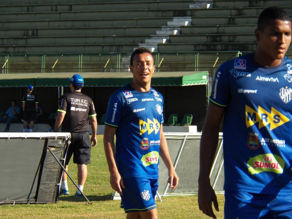 Jogador é favorito para ocupar vaga na lateral-direita se Marcelinho não se recuperar a tempo dos jogos