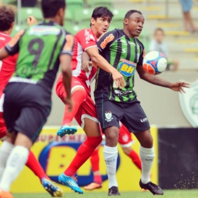 Paulo Roberto atuou pelo Villa Nova no Campeonato Mineiro desta temporada