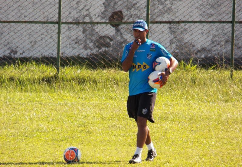 """Mais experiente, Surian elogia futebol mineiro, assume lado torcedor e ansiedade: """"Durmo pouco e penso muito"""""""
