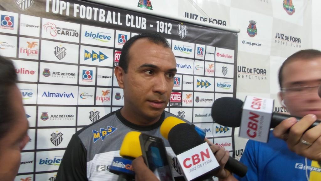Surian elogiou perseverança da equipe em campo
